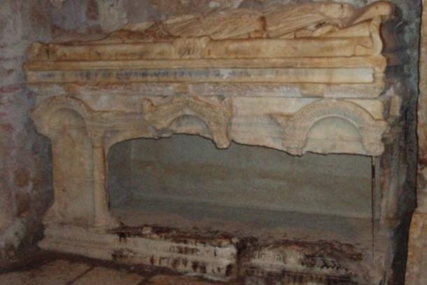 ВТурции найдены останки Санта-Клауса