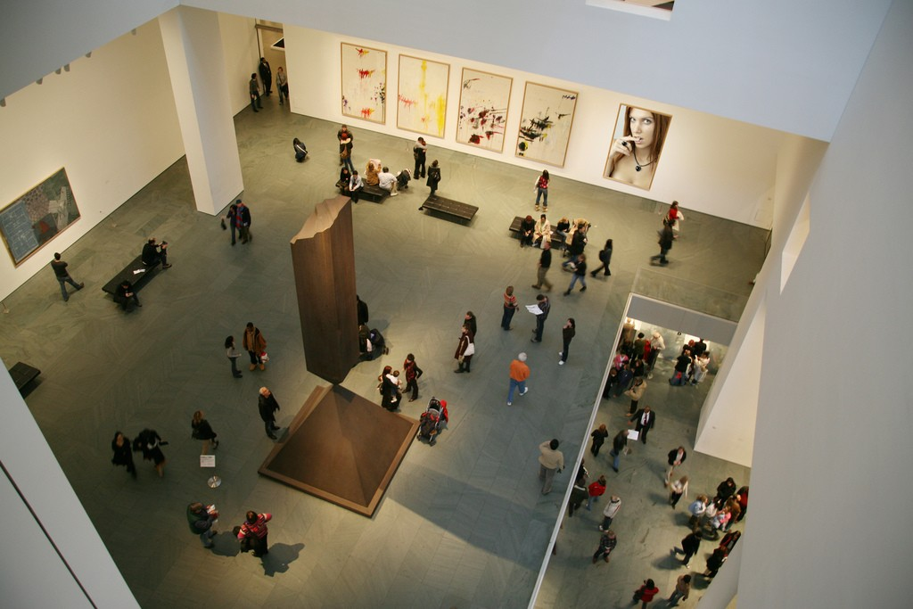 Открытки в музее мома