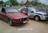 Пьяный на BMW протащил сотрудника ГАИ на двери и врезался в служебное авто