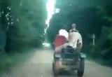 В Брестской области ГАИ преследовала пенсионера на самодельном тракторе (видео)
