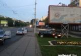 В Бресте преследование автомобиля закончилось аварией с билбордом