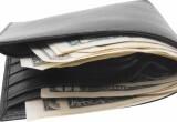 В Бресте оштрафовали продавца, который вытащил у клиента 50 долларов из забытого кошелька
