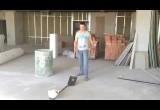 Белорусы попали на канал Discovery с роликом о ловле строительной каски лопатой