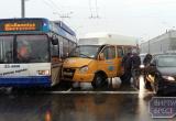 В Бресте произошло столкновение маршрутки и троллейбуса