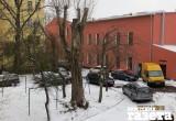 Брестчане пытаются добиться ограждения их домов от медучреждения