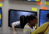 Видео дня: Розыгрыш посетителей магазина, приуроченный к выходу продолжения фильма ужасов «Звонок»