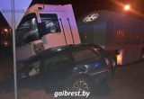 В Брестском районе автомобиль такси столкнулся с фурой