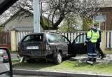 В Бресте автомобиль снес рекламный щит и врезался в столб