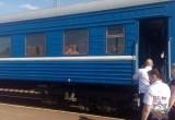 Пассажиров поезда Минск-Брест эвакуировали из-за пожара в тамбуре