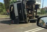 24 мая на улице Брестских Дивизий в Бресте перевернулся МАЗ