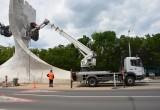 В Бресте начали ремонт стелы на въезде в город