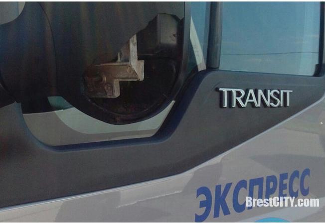В Бресте маршрутке №20 на ходу снесли зеркало. Идет поиск свидетелей