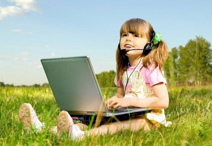 78 процентов белорусских школьников ежедневно сидят в интернете. С какой целью?