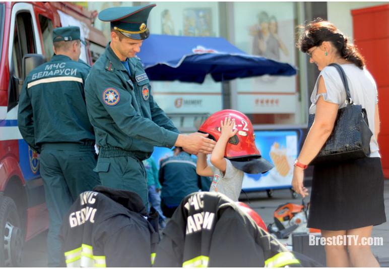 31 августа в Бресте состоялась республиканская акция «В центре внимания – дети!»