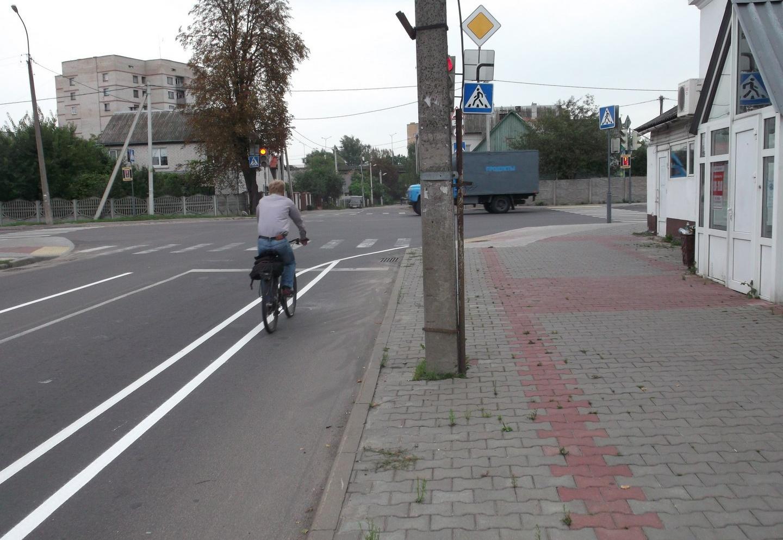 В Бресте появилась еще одна велополоса на проезжей части. На этот раз на Пушкинской