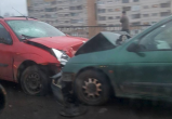 31 октября утром в Бресте на Березовском путепроводе лоб в лоб столкнулись автомобили