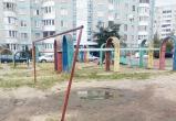 В Бресте убрали травмоопасные элементы с детских площадок
