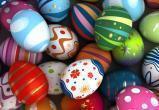 Как оригинально украсить яйца на Пасху?