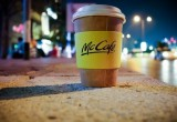 МакДональдс отказывается от пластиковых соломинок