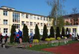 Школьники и студенты присоединились к традиционному апрельскому субботнику