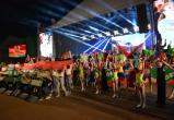 День Независимости в Бресте завершился концертом, гимном и салютом
