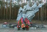 В брестском парке Воинов-интернационалистов сгорели венки