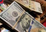 Белорусы продолжают больше продавать валюту, чем покупать