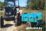 В результате столкновения трактора и мотоблока пострадали два человека