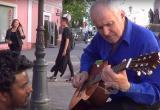 Более 20 млн. просмотров. Брестский пенсионер, виртуозно сыгравший на гитаре, стал звездой YouTube