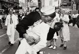 Умер мужчина с фотографии 1945 г. «Поцелуй на Таймс-сквер»