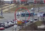 Скорая едва не попала в ДТП на перекрестке Московская-Пионерская (видео)