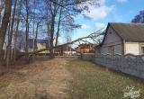 В Гершонах ветер сломал дерево, которое упало на дом