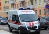 В Барановичах бригада скорой помощи застряла в лифте