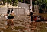 Из-за наводнения в Индонезии погибло 63 человека