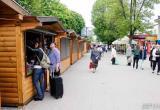 Деревянные домики появились возле Колхозки в Бресте