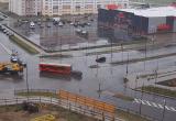 Легковушка врезалась в автобус в Бресте (видео)