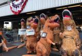 Тираннозавры занимаются спортом (видео)