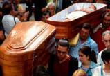В Испании в гробах носили живых людей (видео)