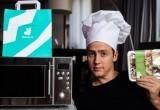 Блогер зарегистрировал свою кухню как ресторан и продавал еду, разогретую в микроволновке