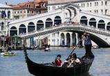 Турист напал на гондольера в Венеции за отказ сделать селфи (видео)