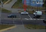 В Бресте водитель на светофоре начал сдавать назад и устроил аварию (видео)