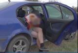 Похищение в Бресте: парень затолкал в багажник бывшую девушку (видео)