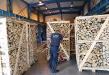 Контрабанду сигарет на миллион рублей спрятали в древесине