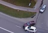 Авария двух легковушек в Пинске попала на видео