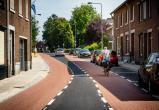 Фотофакт: в Голландии сделали полосу для машин шириной в 50 см