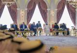 Лукашенко явился на встречу с вице-президентом ОАЭ с сыновьями