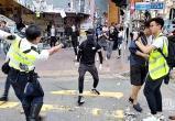 Жесткое противостояние: в Гонконге расстреливают протестующих