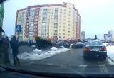 В Минске упала новогодняя елка (видео)