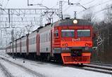 В России женщину изнасиловали трое неизвестных прямо в электричке