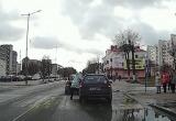 Дорожный конфликт в Барановичах: женщина напала на мужчину (видео)